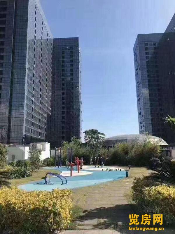 华南城《十号公馆》(地铁口出来就到家)首付40万 轻松得两房